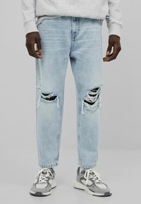 Bershka - Relaxed fit jeans - light blue - 0