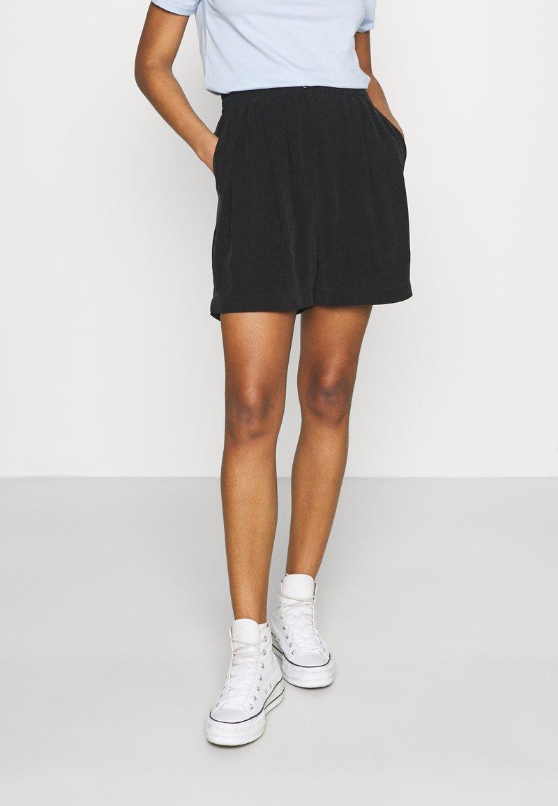 Weekday - EDVINA - Shorts - black