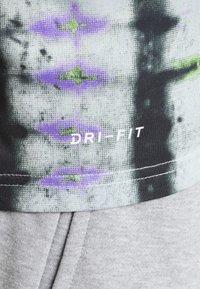 Nike Performance - LEGEND TEE NATURAL HIGH - T-Shirt print - ghost - 5