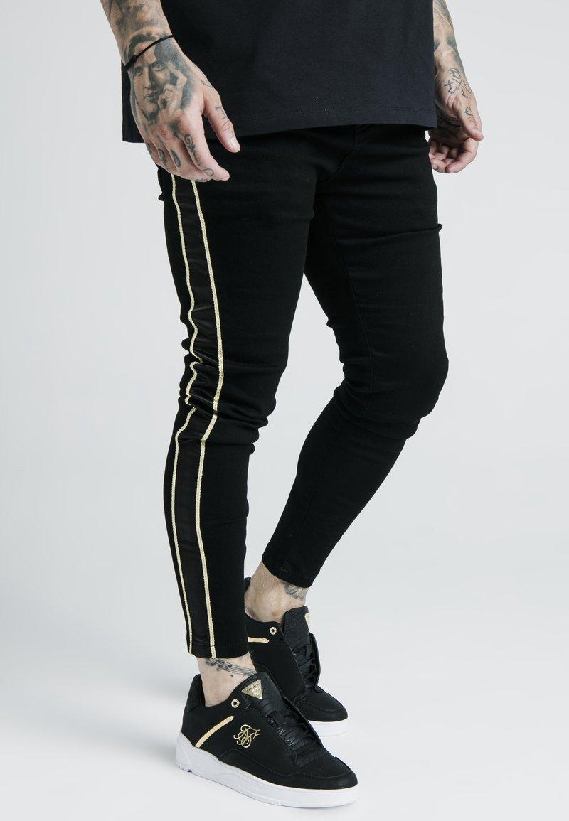 SIKSILK - DANI ALVES ROPE - Slim fit jeans - black