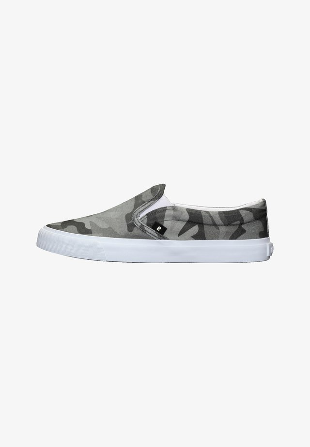 FAIR DECK DECK - Trainers - human rights olive