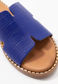 Tamaris - SLIDES - Mules - royal - 2