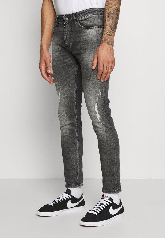 MORTEN DESTROYED - Jeans slim fit - mid grey