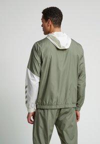 Hummel - SULLIVAN - Waterproof jacket - vetiver - 2