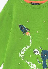 Blue Seven - KIDS GLOW IN THE DARK ALIEN  - Sweatshirt - apfel - 3