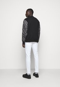 Versace Jeans Couture - MAN LIGHT - Sweatshirt - nero - 2