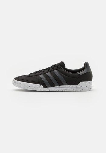 JEANS UNISEX - Zapatillas - black/solid grey/white