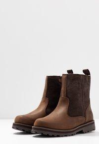 Timberland - COURMA KID WARM LINED BOOT - Korte laarzen - dark brown - 3