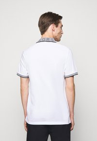 Michael Kors - LOGO COLLAR  - Polo shirt - white - 2