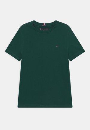 ESSENTIAL TEE  - T-shirt basic - ornamental green