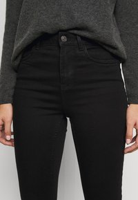 New Look Petite - LIFT AND SHAPE - Jeans Skinny Fit - black - 3