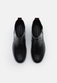 Cole Haan - ORIGINALGRAND CHELSEA BOOTIE - Classic ankle boots - black/red tango - 5
