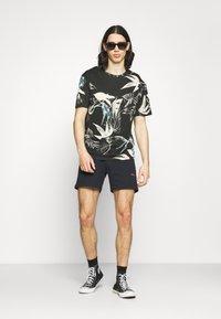 Jack & Jones - JORMONET TEE CREW NECK - T-shirt print - black - 1