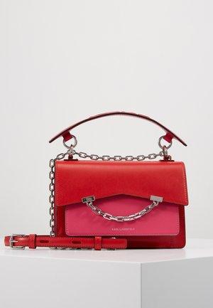 SEVEN SHOULDERBAG - Handtasche - fuchsia