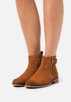 MEMI  - Classic ankle boots - dark tan