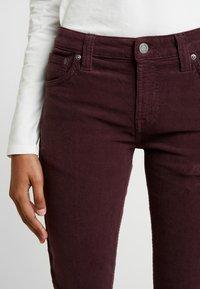 Nudie Jeans - SKINNY LIN - Kangashousut - burgundy - 4