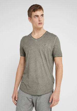 CAREY - T-shirt basique - oliv
