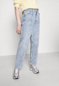 Monki - Jeans a sigaretta - light blue - 3