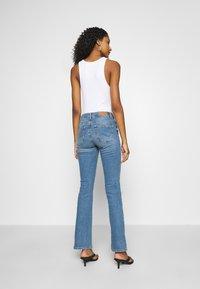 ONLY - ONLHUSH LIFE - Flared jeans - medium blue denim - 2