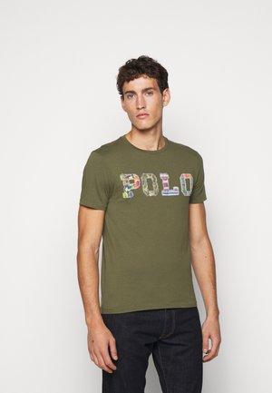 T-shirt z nadrukiem - dark sage
