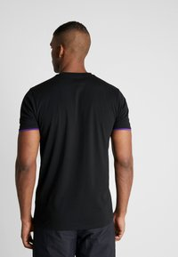 New Era - NBA GRAPHIC TEE LOS ANGELES LAKERS - T-Shirt print - black - 2