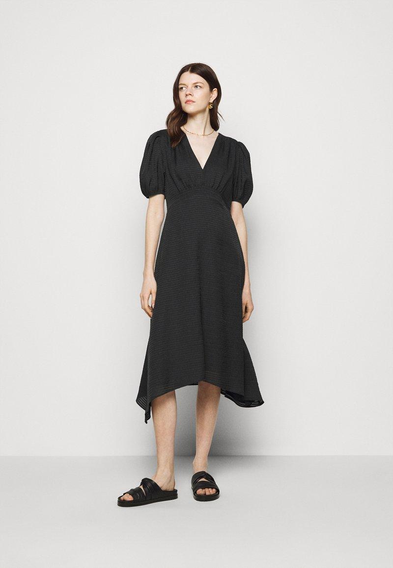 Club Monaco - V NECK PUFF - Cocktail dress / Party dress - black
