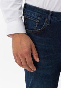 BRAX - STYLE CHUCK - Slim fit jeans - stone blue - 3