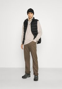 Wrangler - ALL TERRAIN GEAR UTILITY PANT - Cargo trousers - morel - 1