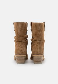 Alpe - NELLY - Classic ankle boots - cognac - 3