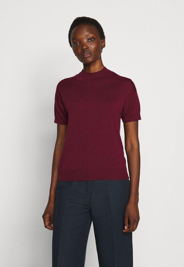 ELISE - Basic T-shirt - sassafras