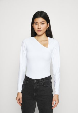 Long sleeved top - white
