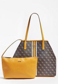 Guess - VIKKY - Tote bag - braun - 3