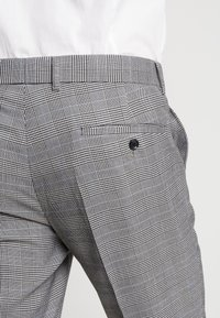 Lindbergh - CHECKED SUIT - Suit - grey - 7