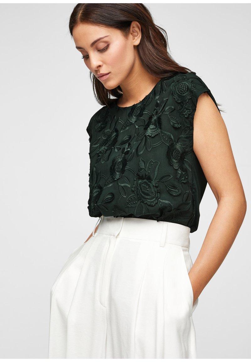 s.Oliver BLACK LABEL - Print T-shirt - leaf green
