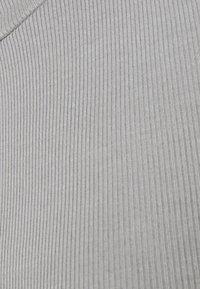 Weekday - ELLA DRESS - Strikket kjole - grey medium dusty - 2