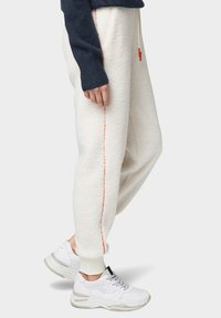 TOM TAILOR DENIM - Trainingsbroek - gardenia white - 3