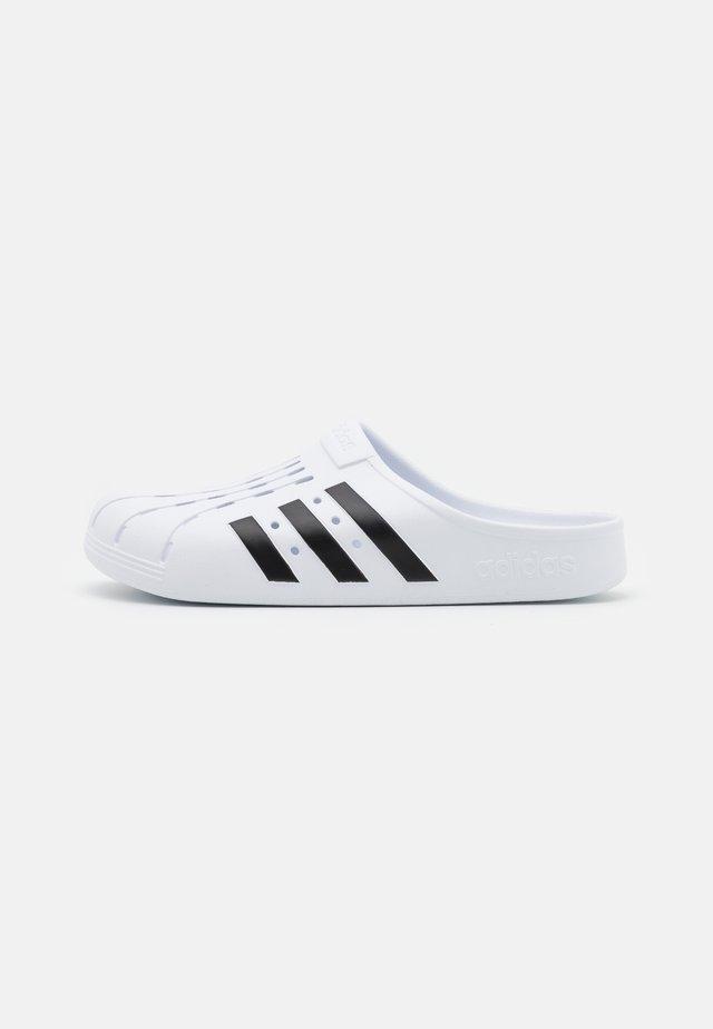 ADILETTE UNISEX - Rantasandaalit - footwear white/core black