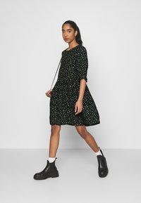 Even&Odd - Day dress - black/yellow - 1