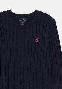 Polo Ralph Lauren - CABLE - Jersey de punto - navy/college pink - 2