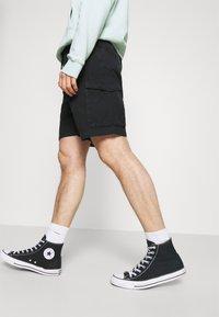 Edwin - SQUAD - Shorts - black - 3