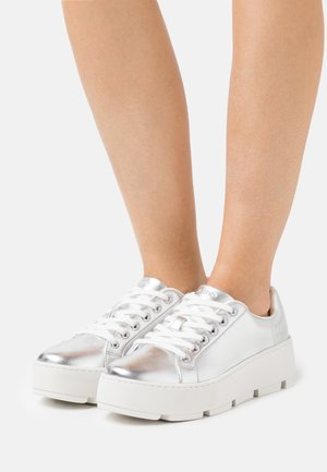 GLADESVILLE - Sneakers basse - silver
