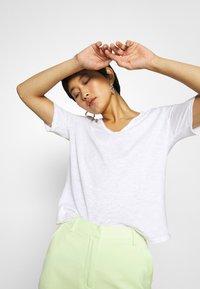 Rich & Royal - HEAVY - Basic T-shirt - white - 4