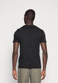 Pier One - 5 PACK - T-shirt basic - black - 2