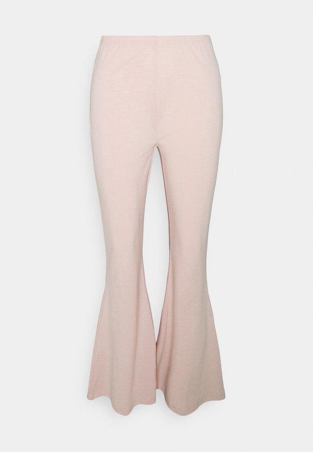 FLARE LEG PANT - Broek - cameo rose