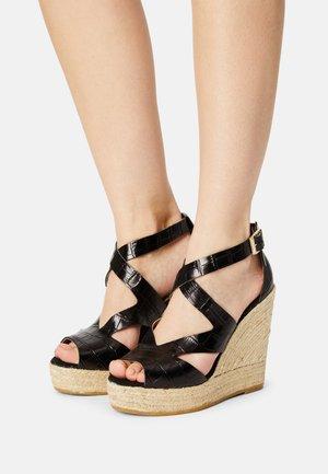SOFIA - Sandales à plateforme - schwarz