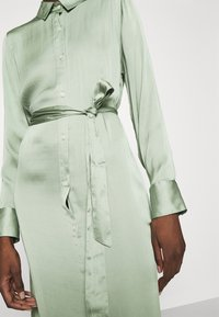 Banana Republic - EASY SHIRTDRESS SOFT - Maxi šaty - sage bouquet - 7