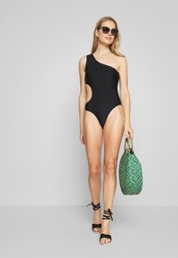 YAS - YASHANNAH SWIMSUIT - Costume da bagno - black - 1