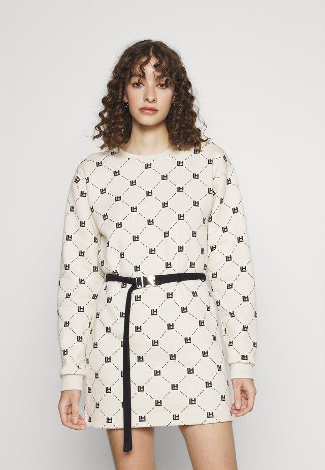 MONOGRAM NUDE LONGSLEEVE DRESS - Korte jurk - beige/black