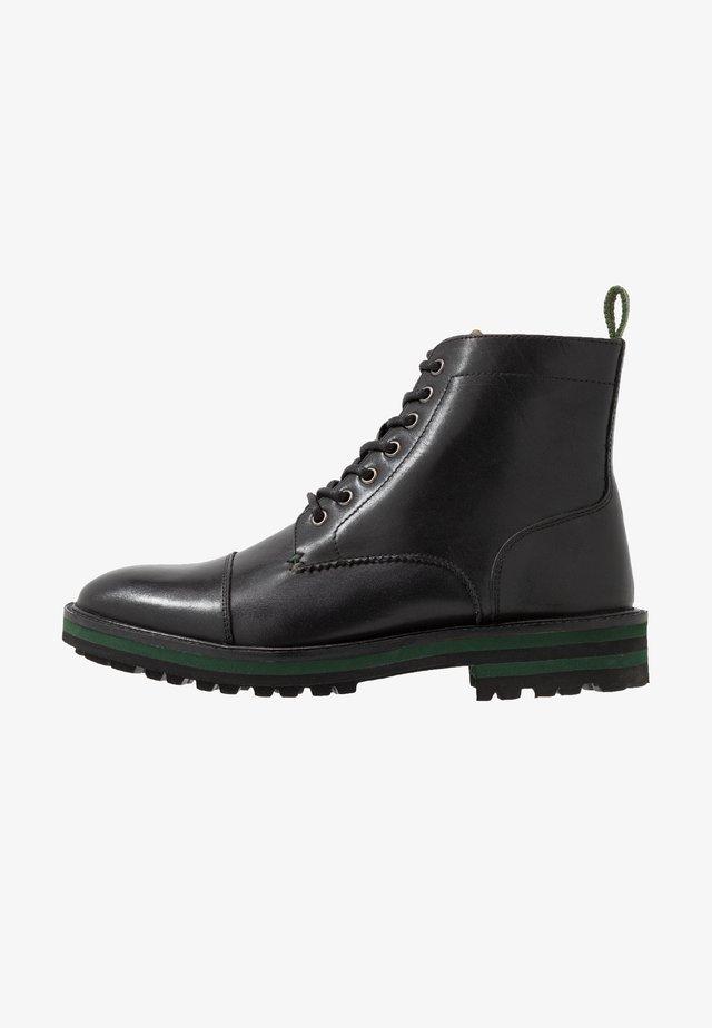 MIDNIGHT TOE-CAP BOOT - Stivaletti stringati - black/green