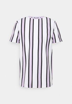 RAMIREZ TEE - Print T-shirt - white/pastell lilac/black